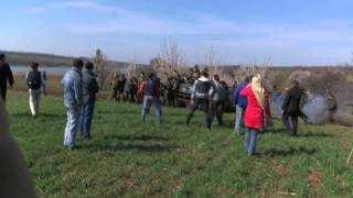 Moment villagers took on Ukrainian army - BBC News