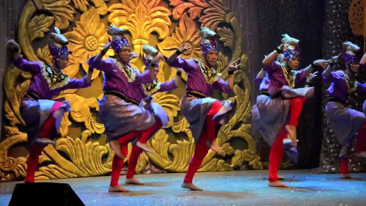 Tarian Pelanduk @ Panggung Seni Tradisional 2013 (2) - YouTube