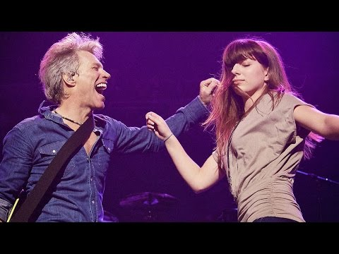 JON BON JOVI DANCING WITH HIS DAUGHTER ⭐️ Las Vegas 2017