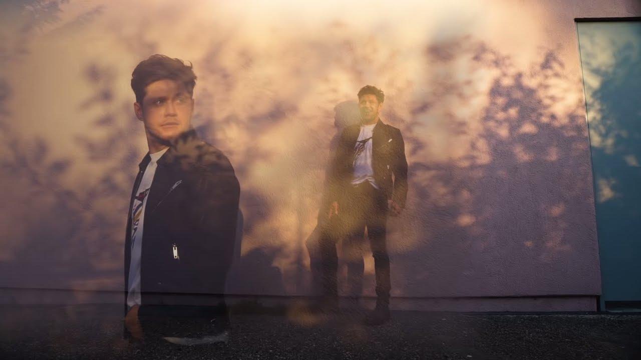 Arti Lirik dan Terjemahan Niall Horan - Small Talk