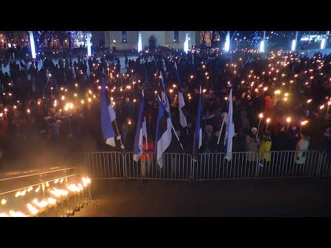 В Эстонии националисты устроили факельное шествие в честь Дня независимости республики
