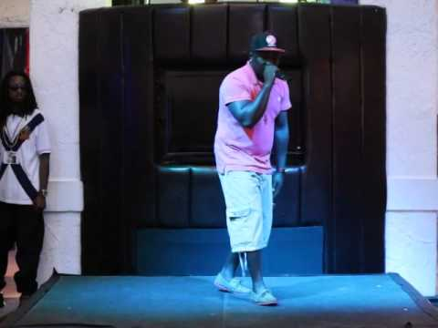"""Ejay Anthony Performs """"Freaky Pictures"""" @ A105 Promo Concert"""