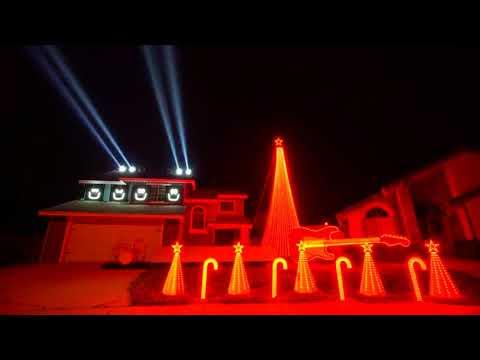 Top 5 Insane Christmas House Light Shows!