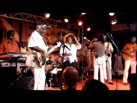 "B.T. EXPRESS - "" Do it (til' you're satisfied) "" @New Morning, 16-9-2011"