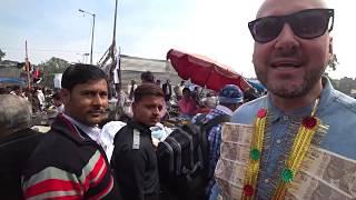 Money Necklace Social Experiment   Thieve's Market India 🇮🇳
