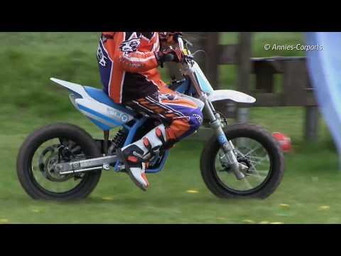 5b895d6d2d Kinder Motocross Motorrad Torrot E12 in Action - YouTube