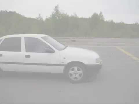 Burnout With An Opel Vectra A 2.0