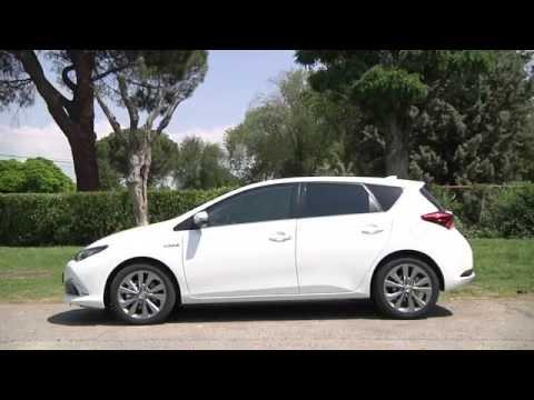 Toyota Auris híbrido 2015 Prueba en vídeo - Autobild.es