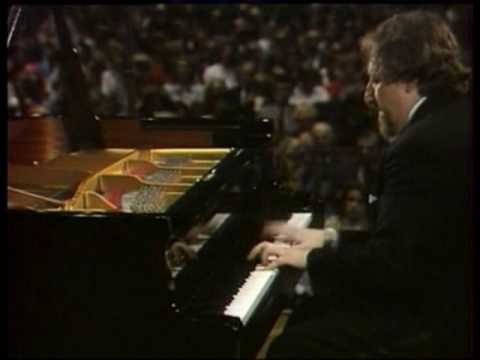 Liszt Sonata - Lazar Berman - Bonn 1977 (Part 2 of 4)