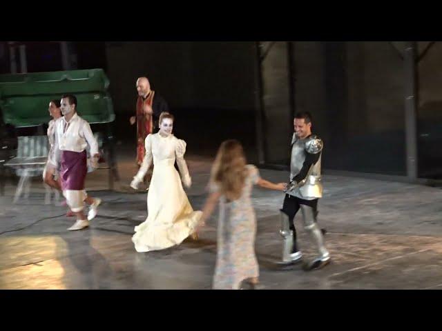 Οι Μπαμπούλες - Χειροκρότημα - Θέατρο Κήπου - StellasView.gr