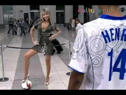 PEPSI: Messi y Ronaldinho (comercial) de YouTube · Duración:  1 minutos 1 segundos  · Más de 2.477.000 vistas · cargado el 16.08.2012 · cargado por Edgar Fullbuster