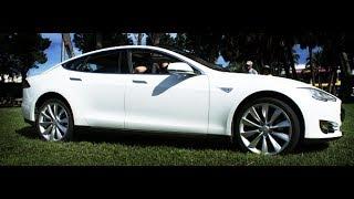 Электромобиль Tesla S приехал к владельцу Электромобиль Tesla S(http://www.elmob.co/ Подписывайтесь на новые видео: http://www.youtube.com/user/elektromobili?sub_confirmation=1 Давайте дружить кто любит Элект..., 2013-12-16T09:16:19.000Z)