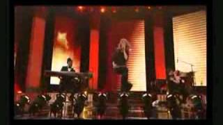 Celine Dion & Will.I.Am - Eyes on me (live).wmv