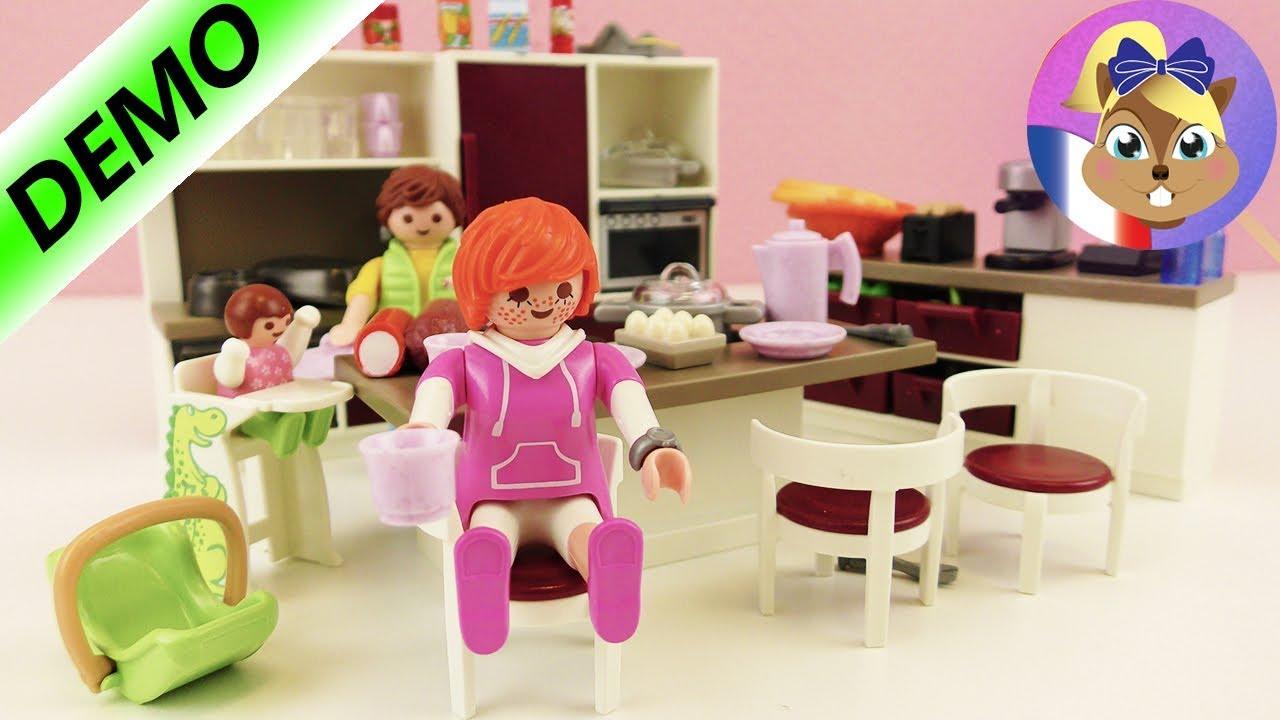grande cuisine familiale playmobil avec four cuisini re lave vaisselle pour une maison. Black Bedroom Furniture Sets. Home Design Ideas