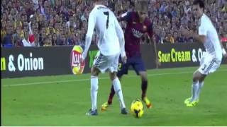 Download Video Daniel Alves Dribbles C.Ronaldo MP3 3GP MP4