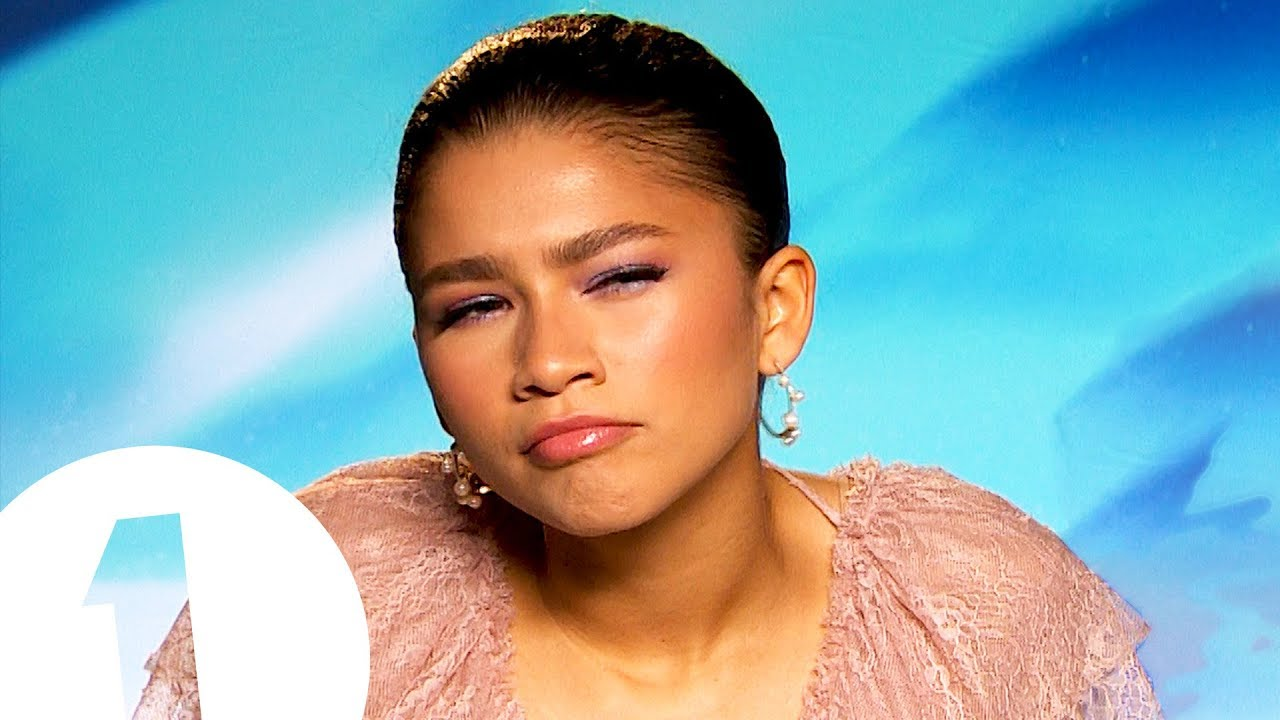 You Look A Lot Like Zendaya On What Fans Say To Her In The Street