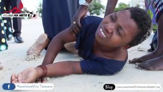Maajabu yatokea bahari wakati watu wakibatizwa baada ya sala ya toba kufanyika thumbnail