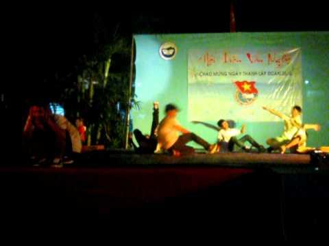 BigHand crew- Bboy red fighter xém chết trong đêm diễn 15/3/2012 THPT Nguyễn Công Trứ