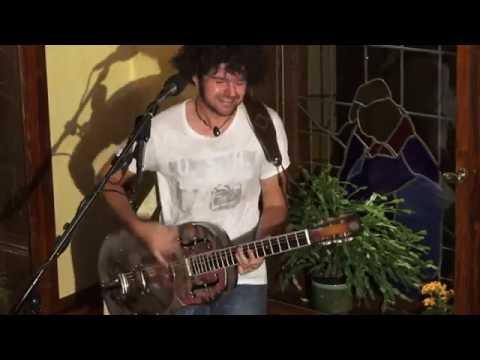 Philip Bölter mit der Coverversion Whole Lotta Love , Led Zeppelin.