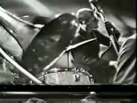 Scott LaFaro playing his Prescott Bass