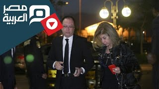 مصر العربية | هالة سرحان تصل عزاء محمود عهبدالعزيز