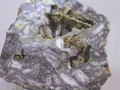 Collecting Amethystine Quartz Scepter Crystals at Brushy Mt. (Mule Cr.), New Mexico