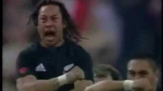 The Best Haka New Zealand vs France in Paris 2004