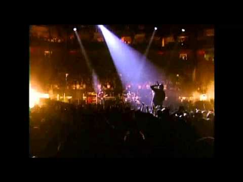 U2 Bad + Where the streets have no name (Boston 2001) HD