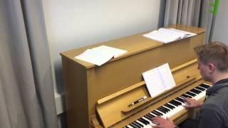 Apulanta - Ravistettava ennen käyttöä (piano)