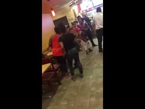 Boy runs to mom's workplace just to kiss herKaynak: YouTube · Süre: 41 saniye