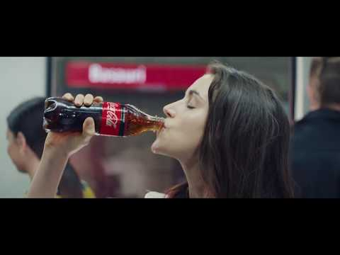 Coca Cola Song Weihnachten.Coca Cola Recycling Across The Tracks Tv Advert Music
