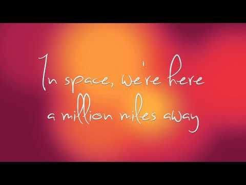 The Moon Song (lyrics) - Scarlett Johansson & Joaquin Phoenix