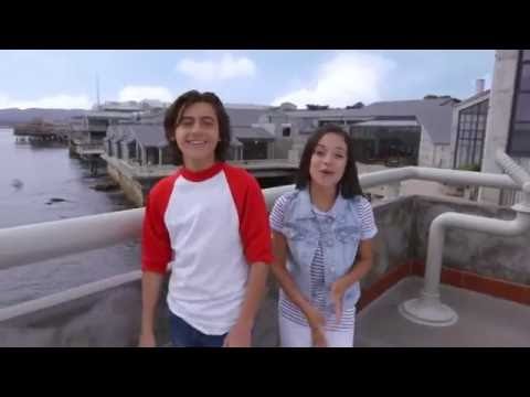 Finding Dory: with Jenna Ortega and Isaak Presley - Stuck in the Middle