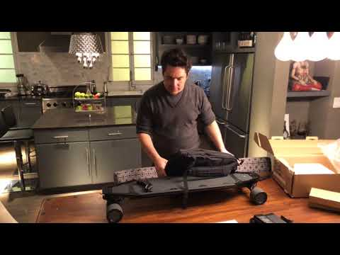 Acton Blink qu4tro electric skateboard unboxing. World's first four wheel drive skateboard!!