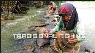 Gambar cover Nenek Mancing lidi TRADISIONAL FISHING