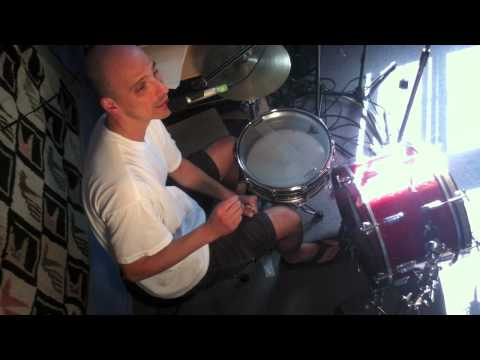 Drum Lesson: Getting different snare sounds without changing the tuning