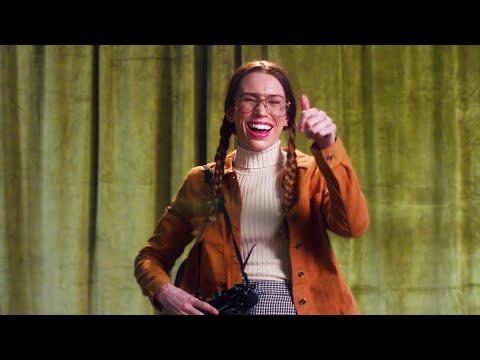 Смотреть клип Sarah Close - Cool
