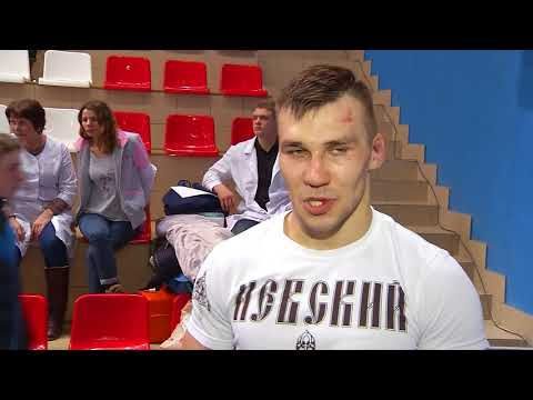 Яркие поединки в финале чемпионата Омской области по ММА