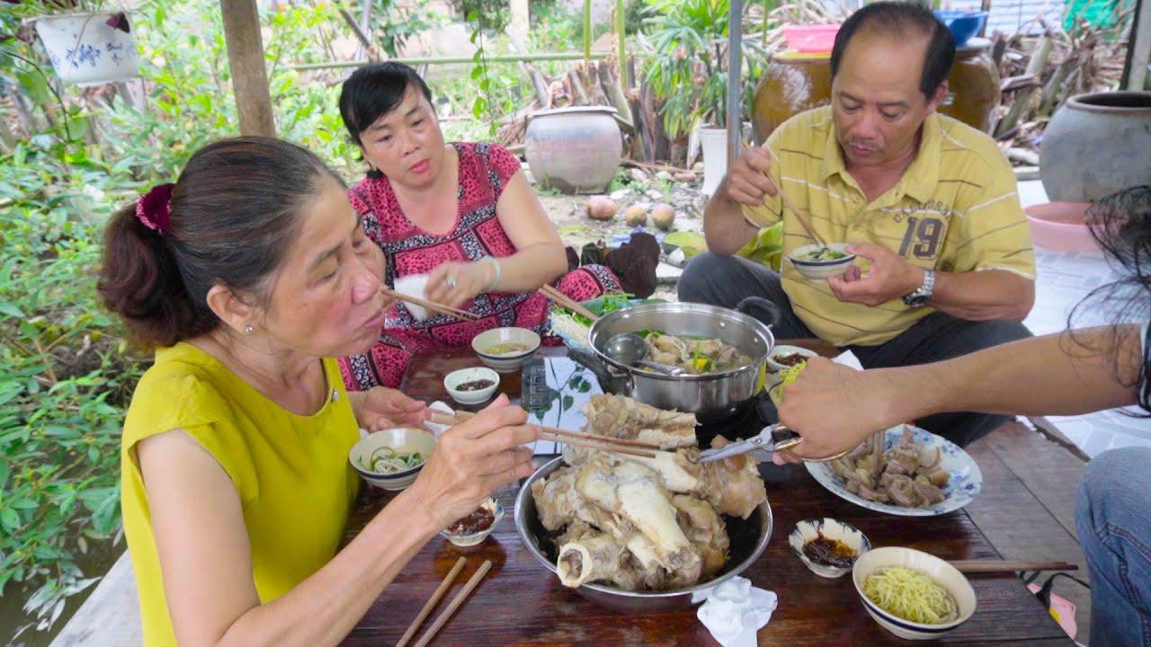 Lẩu bò xí quách ăn cùng rau vườn nhà trồng | Món Ngon Mẹ Nấu