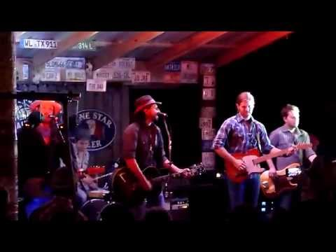 Micky & The Motorcars - Big casino - live @ Luckenbach Spring Break 2015