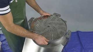 Commercial vegetable shredder presentation (Changing disc and hoppers)