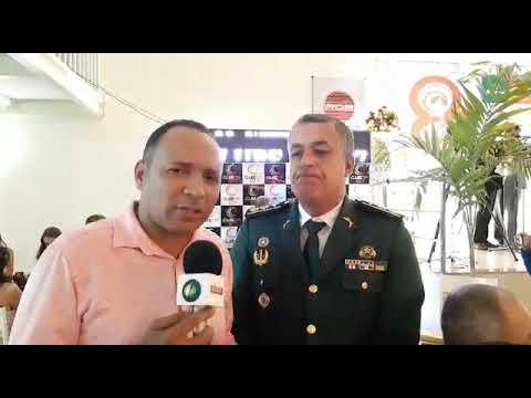 Comandante do 14º Batalhão Tenente Coronel Cesar de Sá Pacheco, recebe homenagem do Prêmio Fama