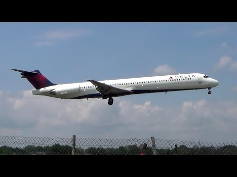 Delta Airlines McDonnell Douglas MD-88 Hard Landing at LaGuardia Airport