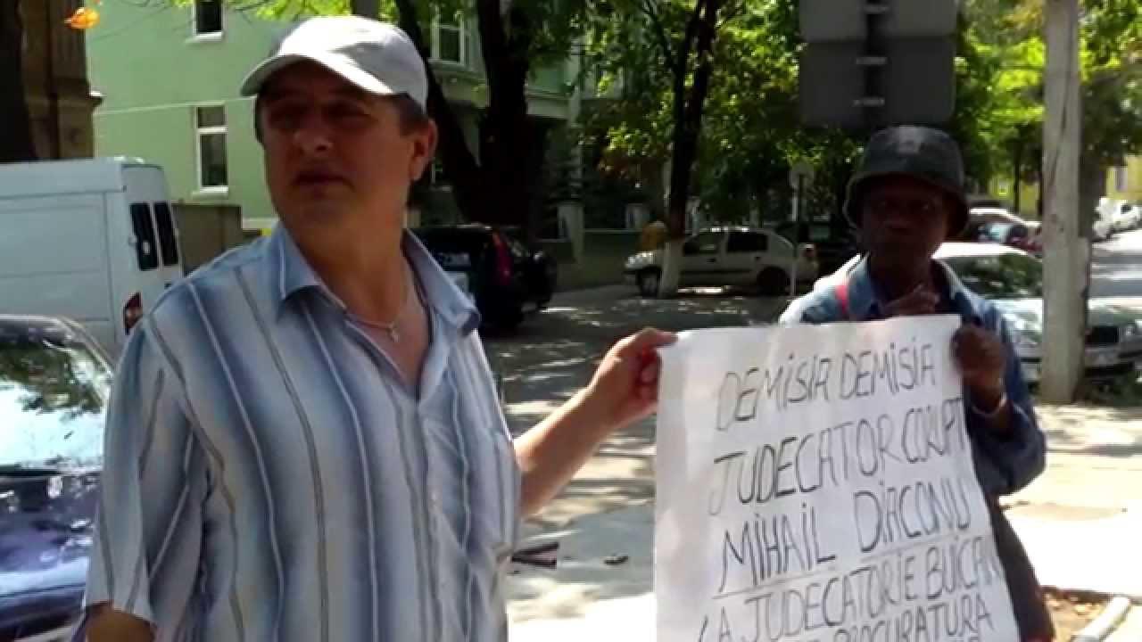 Protest la #CSM pentru demisia lui #Diaconu
