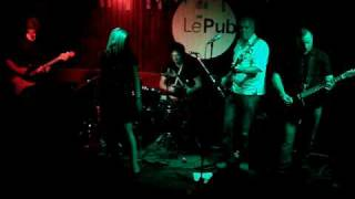 "Darling Buds - ""Lets Go Round There"" live @ Le Pub (TJs in the Square Warm up)"