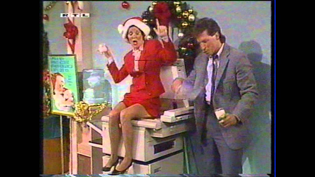 Married With Children Christmas.Xmas Party In Office