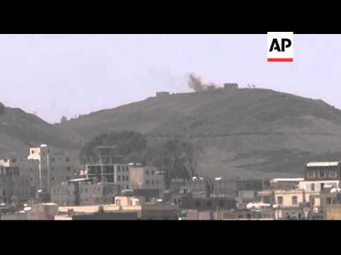 Yemen - Fighting between militia in capital kills 120 / Smoke over skyline and damage as clashes con