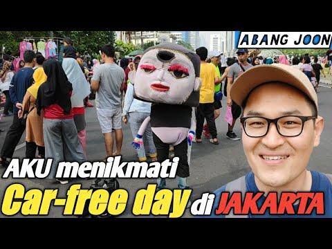 "orang-korea-menikmati-suasana-""car-free-day""-di-jakarta"