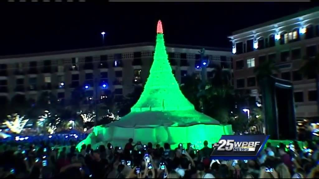 - Giant Sand Christmas Tree Lights Up West Palm Beach - YouTube