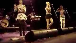 The Pipettes Your Kisses Are Wasted On Me @ Fillmore